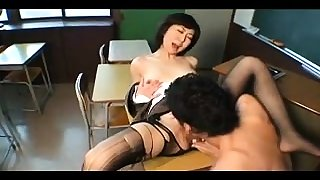 Puristic MILF in stockings shows pussy